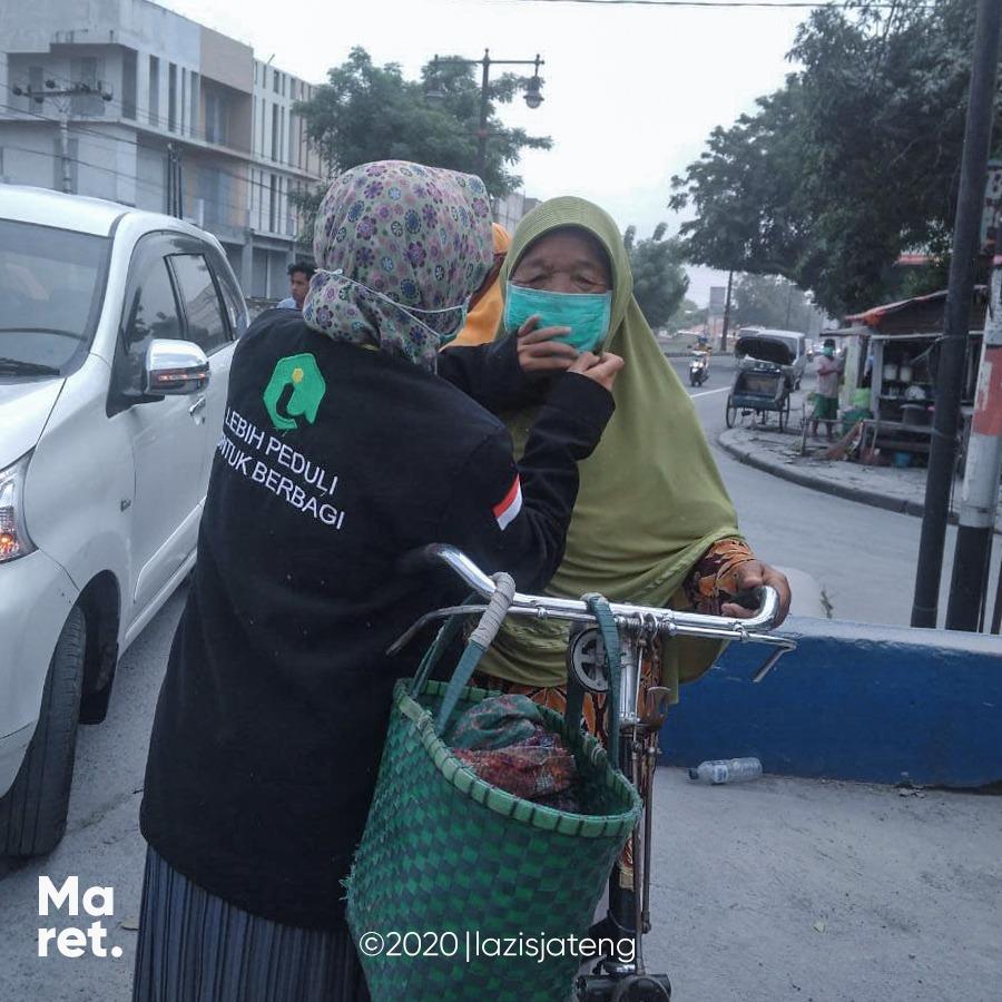 Merapi Erupsi, Lazis Jateng salurkan bantuan masker gratis
